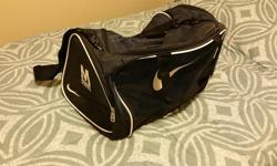 I have a brand new (never used) Nike gym bag. Received as a gift from a company. Has large pockets on each end as well as a small mesh inside pocket. It does have the company logo on the end if that matters (as seen in the photo). Will also deliver to