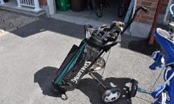 I have 1 set of men's Spaulding golf clubs for sale with cart. Right handed. This set is in excellent condition and hasn't been used for a while.