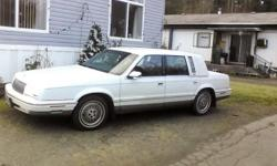 1992 Chrysler n ykr 4 door automatic (not right )v 6 car runner power locks cruise and lots more