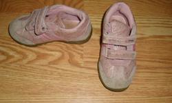 I have a Pink Pair of Runners Running Shoes Size 8 Toddler for sale! This is in excellent condition and would look great in your child's room or to give as a gift. Comes from a non-smoking household. Do not miss out on this excellent opportunity to get