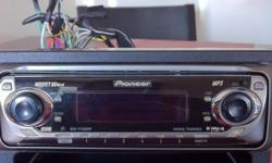 MP3 , xm satelite ready, you can chose between many scenes and display designs. Great deck with lots of power and looks sweet too.Detachable face and it comes with the mounting bracket .... Its a steal at $75 firm This ad was posted with the Kijiji