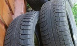 Pneus hiver en bon état de marque Michelin Demande 80.00 ferme info 819-665-7273 Julie secteur Hull p 215 55 r 16