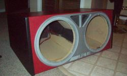"""Alpine box for 12"""" Subs. Ported, heavy duty 1"""" MDF. Red to match """"Type R"""" Alpine Subs. Gold plated wiring connections (18k). Makes for excellent sound quality. Also have 2 matching Alpine Type R 12"""" Subs available. 500w Top of the line model. VERY light"""
