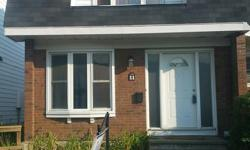 # Bath 3 # Bed 4 Carleton U area income property! Spacious 3+1 bedroom end unit townhouse with $ 2100/month income! 2 full bathrooms and one 2pc bathroom. Parquet flooring, Finished lower level with 3 pc bathroom. Condo offers indoor pool, saunas,