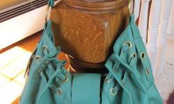 Lg teal purse/handbag. Only used a few times, excellent condition. Leather. Asking $30