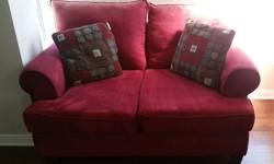 red couch Dimensions: Width: 62'' Height: 38'' Depth: 38''