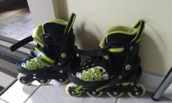 Good condition with 4 size adjustments. Fits boys sizes from 3-5.