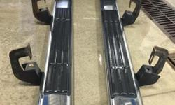 Running boards came off a 2007 Silverado Crew Cab, will fit 2007-12 GMC or Chevy, nothing wrong with them son just decided he didnt want on his truck, $120 or best offer, call Lora at 705-971-7423 for more info or to view.