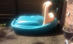 Big sand box in very good condition for sale