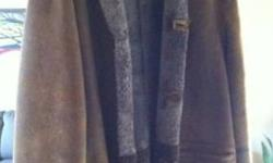 Beautiful Shearling coat - Brown - 2 side pockets XL (I am 6'3, fit perfectly) Like new - Well taken care off None smoking house