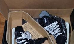 These skates were only used a couple of times for recreational skating. Not used for hockey. Great shape.