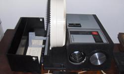 GAF York slide projector with remote, works great