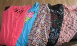 Small lot of girls x/s-s tops Ardene - peach/grey top - size small Streetwear Society l- black top -size small Ambiance Appearel - floral top - size small G21 - blue tank top - size x/s American Eagle Outfitters - peach tank - size x/s $5 each or get ALL