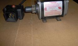 Electric starter for Techumseh / Craftsman snowblowers Like new condition Call Mike at 705-256-2473