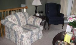 Good condition was in my formal living room wasn't used much.  Smoke free environment and pet free.