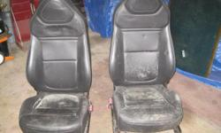 Solstice leather bucket seats. Electric. In great conditions, no tears. All offers will be considered.