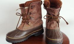 Super hardy, warm winter boots! In great shape after a few years of use.