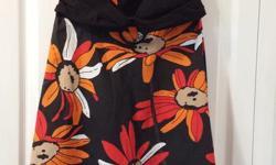 Ladies Summer Dress, flower pattern Brand: Jessica Size: 10