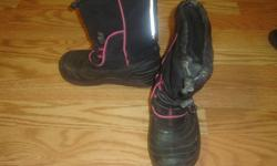 I have a Thinsulate Black Winter Boots Size 13 Child for sale! This is in excellent condition and would look great on your child or loved one or to give as a gift. Comes from a non-smoking household. Do not miss out on this excellent opportunity to get