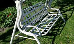 You supply the cushions, and this elegant and sturdy swing seat will supply the relaxation. It's in excellent condition and is 78 inches wide, 44 in. deep and 60 in. tall (198x112x152 cm). Suitable for porch, patio, yard or cottage property, this
