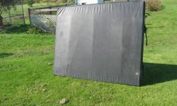soft tonneau for ford ranger or S-10 5 foot by 6 foot includes 4 clamps $50 OBO. please contact if interested 905 899 2961 or text 905 348 2962