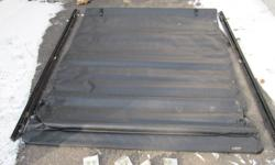 Extang RT Tonneau cover.  Great Shape.  All pieces included.