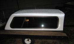white topper from my 2004 chevy truck. comes with clamps. $300 obo (topper is clean, that`s just frost on top of it in the pics)