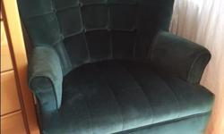 Beautifully upholstered chair. In great shape. Clean. Very comfortable!