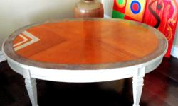 DEILCRAFT solid wood coffee table from the 1950's. Made in Canada. This is a very sturdy coffee table, made of solid wood and in excellent condition. A very unique piece of furniture with her new contemporary design. This gorgeous table has the most