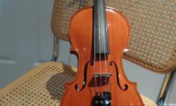 Violin - Violon 4/4 neuf, de qualité supérieure, fabriqué à la main par luthier d'expérience, Son velouté et excellente tonalité. Choix parmi 12 violons ayant teinte diversifiée. CONTACT: Pierre 819-682-1413