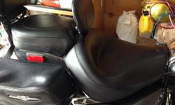 I'm selling my Suzuki Boulevard C90 Wide Vintage 2-PC Touring Seat with Driver Backrest (Removable). This set was purchased last season and is in Excellent condition. This item is over 700 dollars new and asking 500 O.B.O