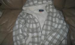 MARKS Wind River T-Max Hoodie White/Beige in Color Size Large Retails $39.95 + Letting go for ONLY $15 Great price Good condition Can meet in west end of ottawa (kanata) or pickup in Constance Bay