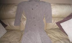 Woman's Long Jacket with belt size 8 Brand - Sequence Color - Beige Shell - 85% Polyester 15% Nylon Upper Body Lining - 65% Polyester 35% Cotton Lower Body and sleeve lining - 100% nylon Great Condition $15 Great price!!! Can meet in west end of ottawa