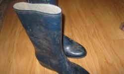 Women's Blue Rubber Boots Size 7 Great condition - worn MAYBE 2-3 times!!!! Can meet in west end of Ottawa (Kanata) or pickup in Constance Bay